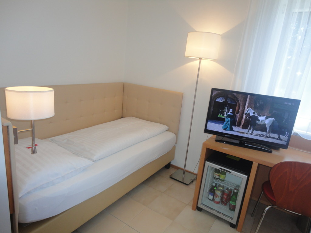 city 16 city hotel albrecht. Black Bedroom Furniture Sets. Home Design Ideas